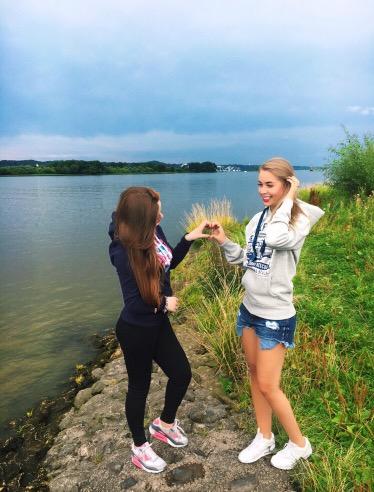 Bloggerinnen-aus-Deutschland-und-Hamburg-zeigen-Herz
