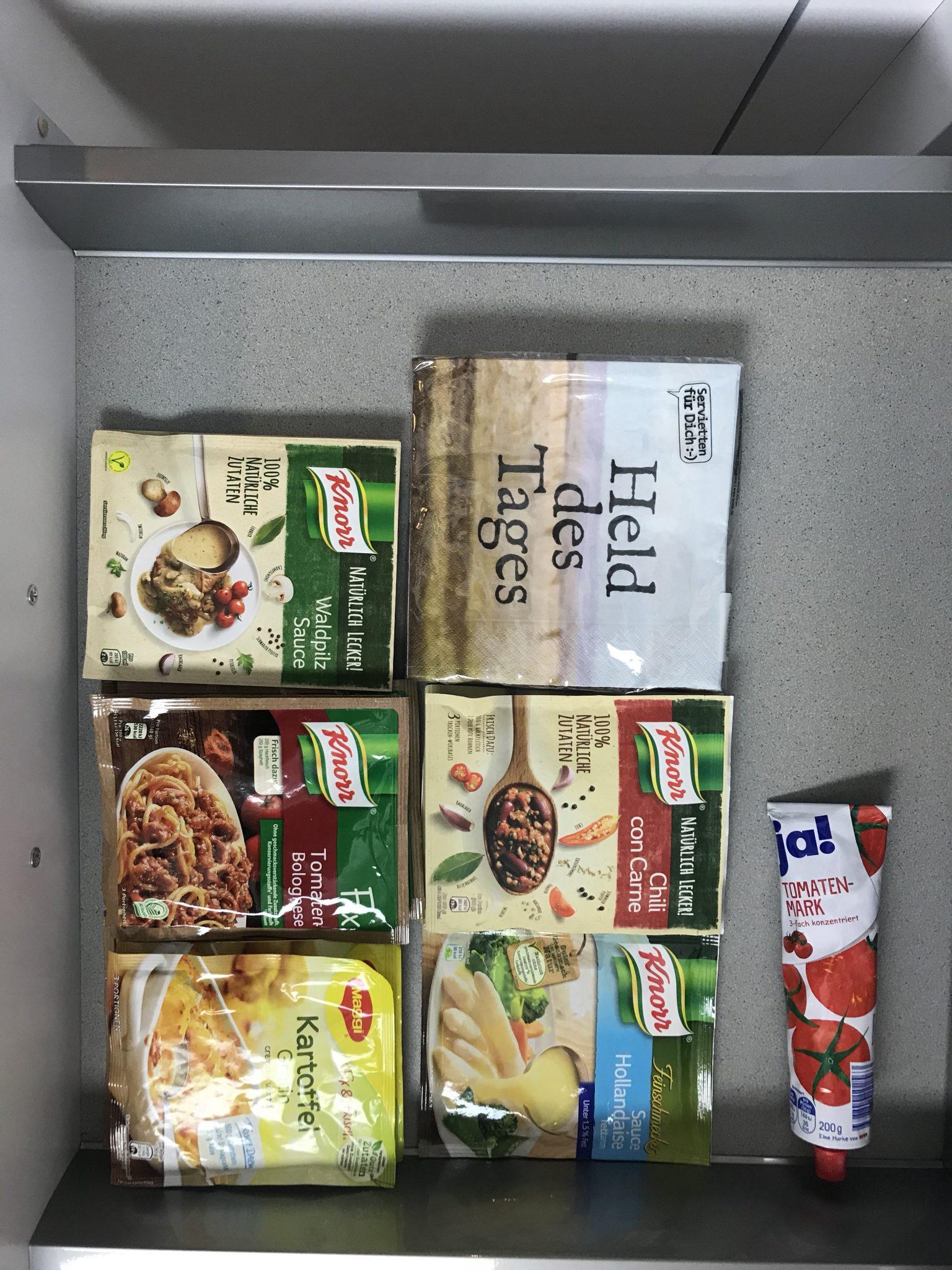 Küche-aufräumen-ordnung-schaffen-minimalismus-gewürzregal-diy