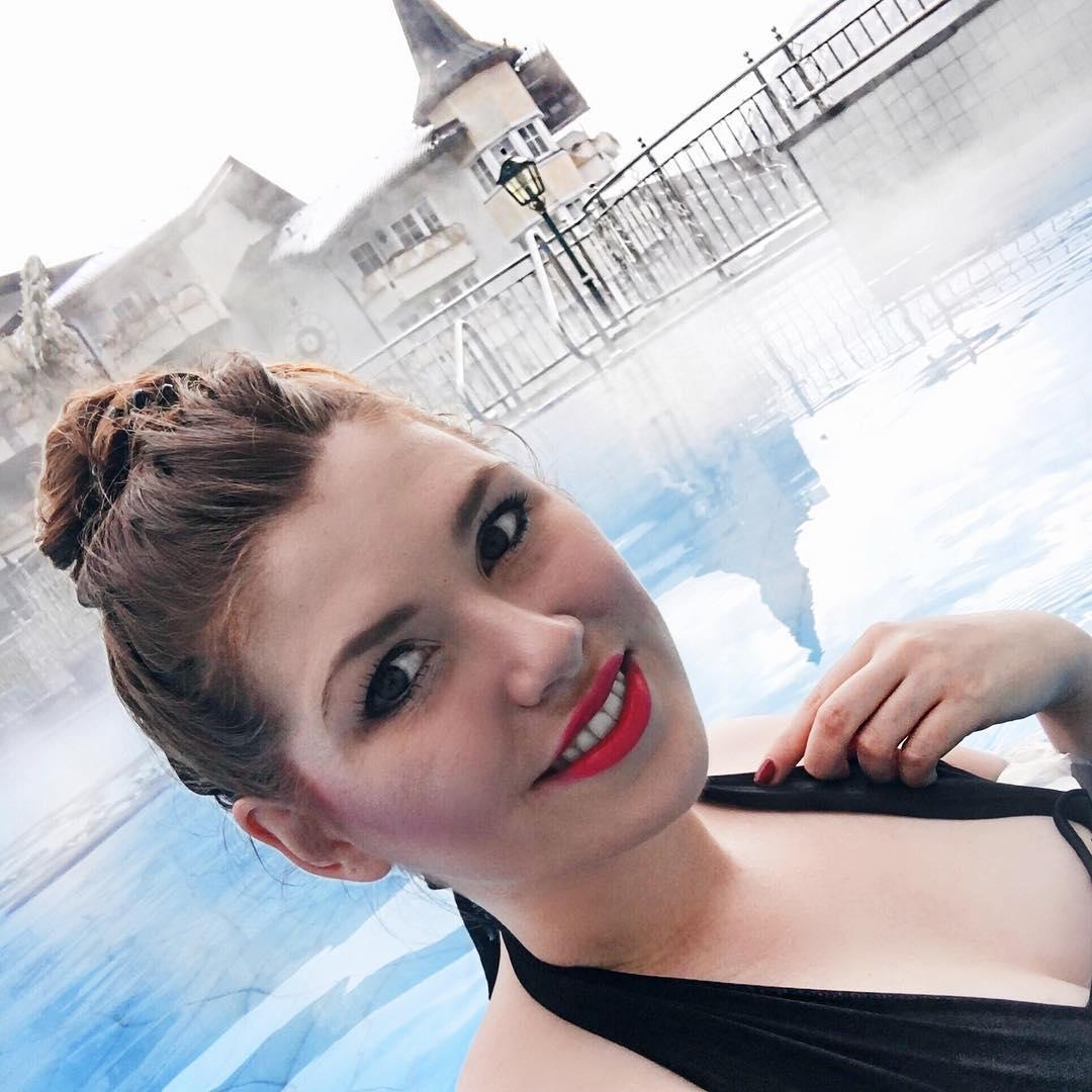 Posthotel Achenkirch, Nebl, Pool, Schnee, Schwimmen, Selfie, Wellness, Österreich, Berge, Alpen-Bewertung-Posthotel-Achenkirch-Wochenplan-Booking-Bericht-Posthotel-Achenkirch-Bewertung