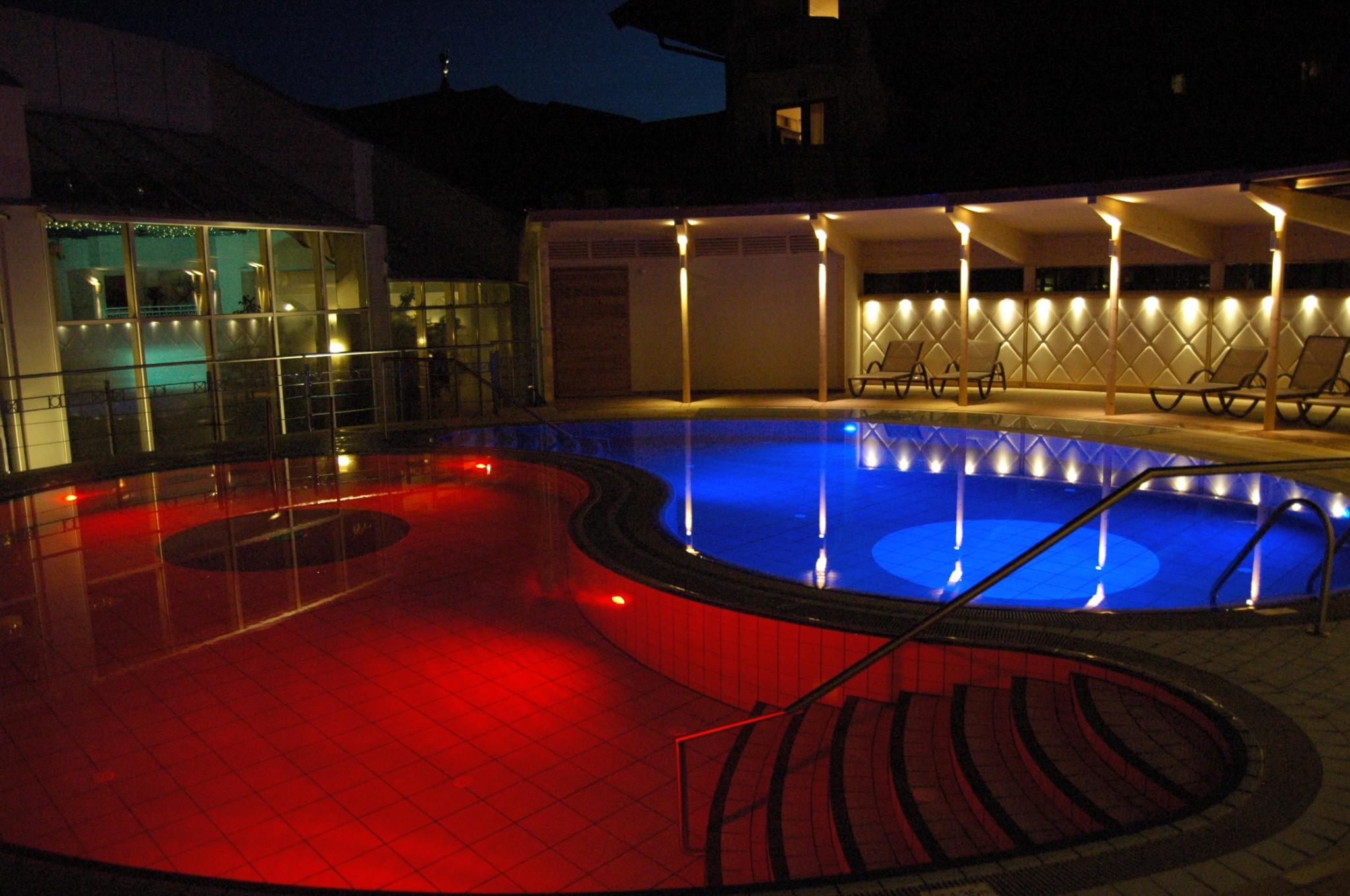 yinundyang-pool-posthotel-achenkirch-Bewertung-Posthotel-Achenkirch-Wochenplan-Booking-Bericht-Posthotel-Achenkirch-Bewertung