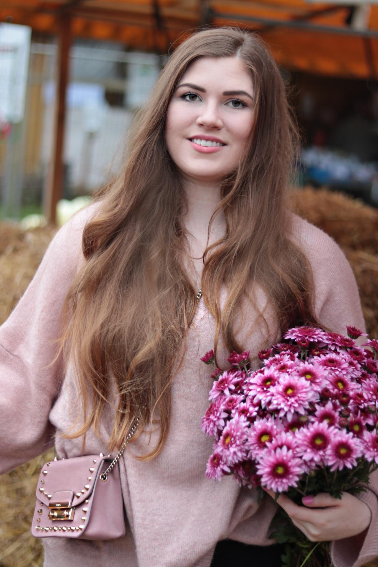 oversize-look-stylen-astern-rosa-tasche-kürbis