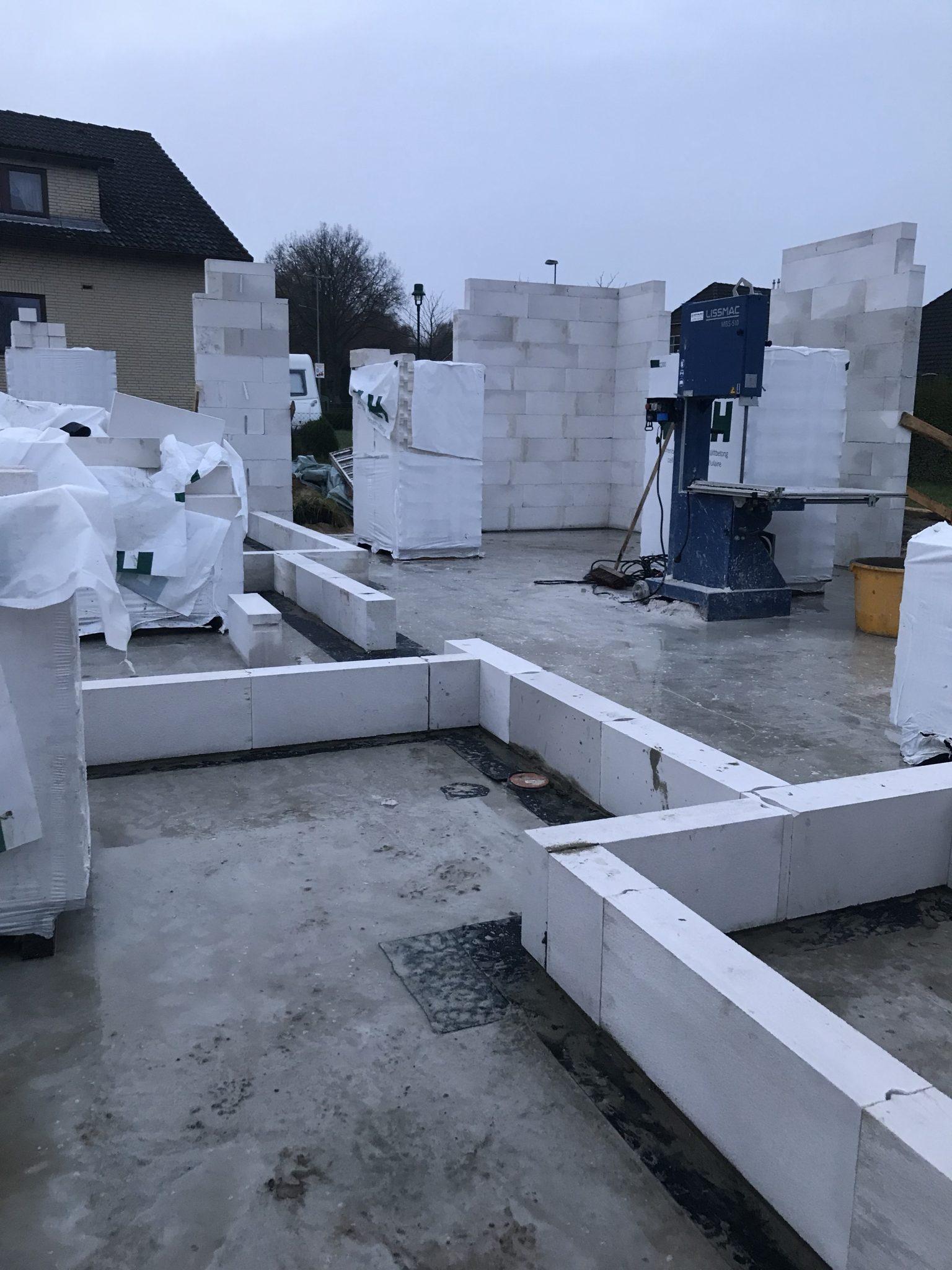 grundriss-weiße-steine-hausbau